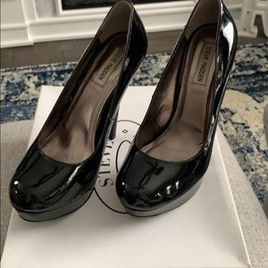 Steve Madden patent leather heel